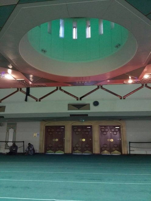 Bagian dalam Glasgow Central Mosque
